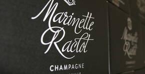 Logo du Champagne Marinette raclot