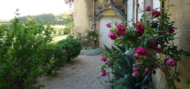 Chateau Tour Marcillanet