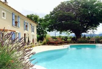 Domaine Rouge-Bleu - La piscine du domaine