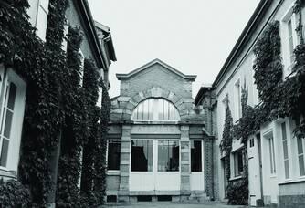 Vue de l'entrée de l'atelier des Champagnes Brimoncourt